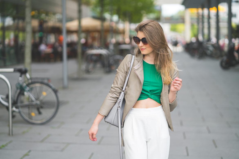 OUTFIT: Bílé kalhoty