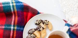 Ořechové rohlíčky s čokoládou
